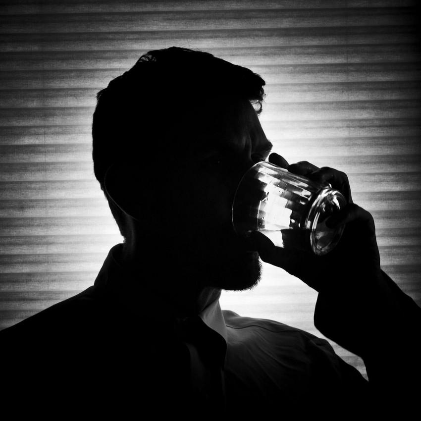 Картинки про алкоголиков грустные